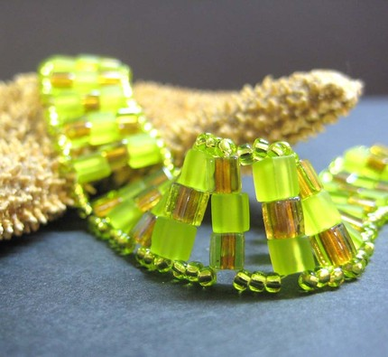 Chartreuse coloured glass bead bracelet