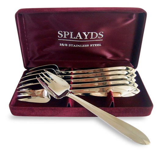 Eating utensils called Splayds. Not sporks.
