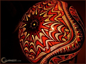 CALABARTE CARVED LAMP