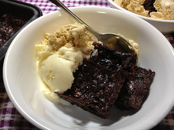 Lovely (failed) brownies with ice cream